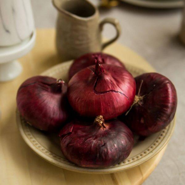 Лук красный Ялта - для любых ваших блюд!