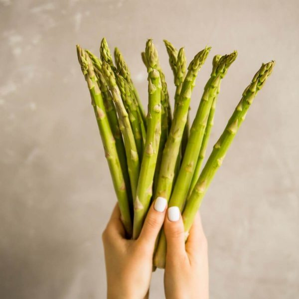 Свежая и ароматная спаржа - основа здоровых блюд!
